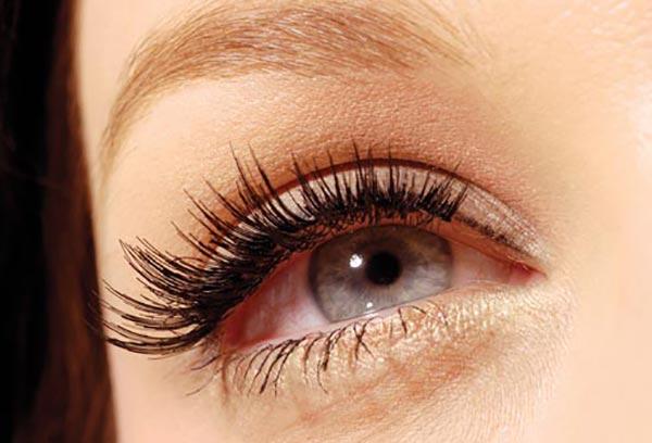 چشم های زیبا- مژه مصنوعی- برنافیت