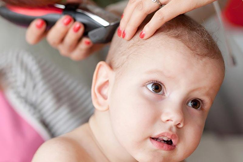 آیا باید سر کودکان را تراشید؟