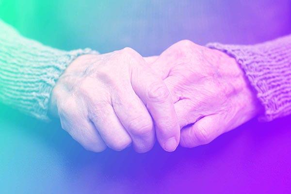 هفت عارضه ای که ممکن است آن را با فیبرومیالژیا اشتباه بگیرید ، آرتروز