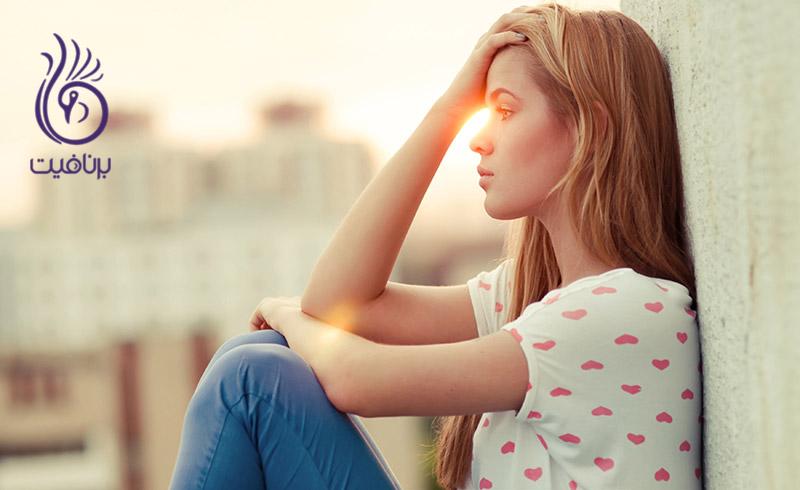 علائمی که نشان می دهد منتقد درونی شما خارج از کنترل است