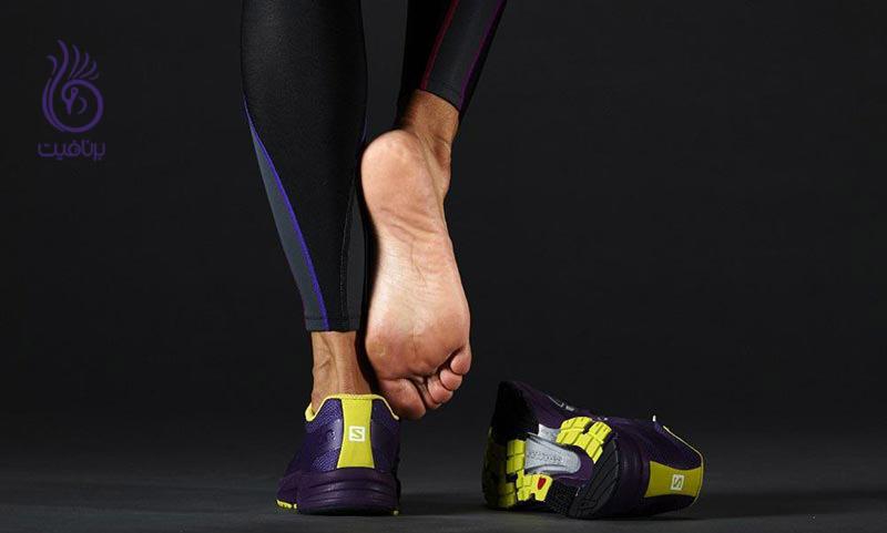 چه چیزی موجب درد قوس کف پا هنگام دویدن می شود؟