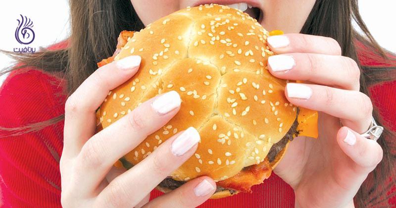 eating غذا خوردن احساسی