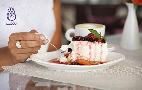 آگاهانه غذا بخورید تا از غذاهای مورد علاقه تان لذت ببرید
