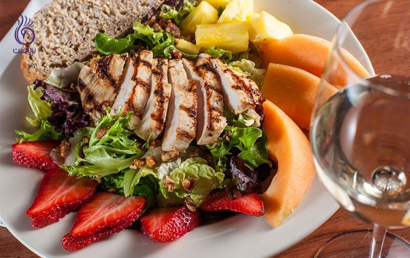 برای کاهش وزن، چه مقدار کالری در وعده ی ناهار می توان مصرف کرد؟