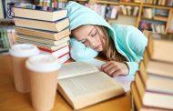 چگونه در هنگام مطالعه با خواب آلودگی بجنگیم؟