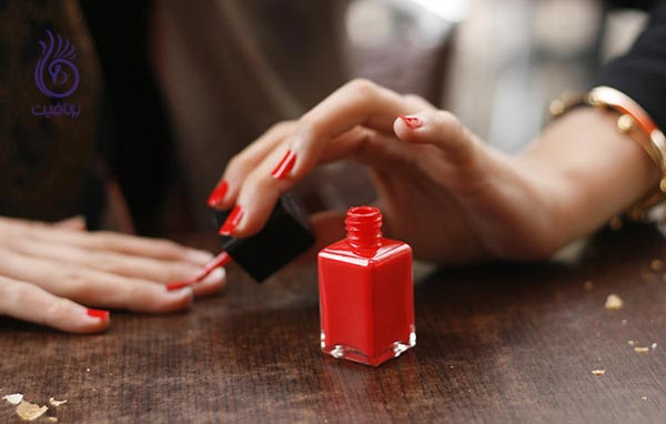محصولات آرایشی که بهتر است آنها را مصرف نکنید - لاک ناخن - برنافیت