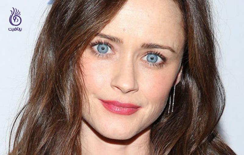 آرایشی زیبا برای چشم آبی ها - برنافیت