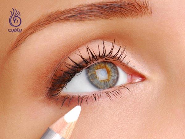 چند راهکار برای اینکه جوان تر به نظر برسید - آرایش چشم - برنافیت دکتر کرمانی