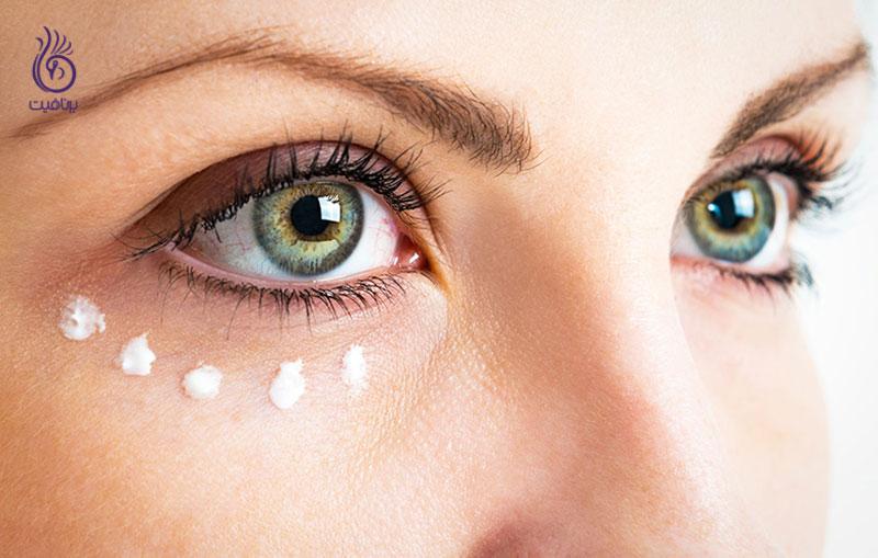 با این ترفندهای آرایشی چین و چروک را پنهان کنید - برنافیت