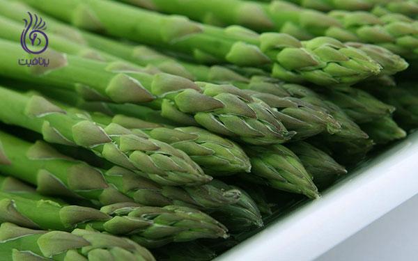 غذاهای کم کالری- مارچوبه- برنافیت