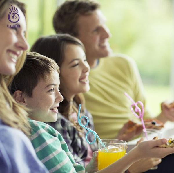 چاق شدن- غذا خوردن جلوی تلویزیون- برنافیت