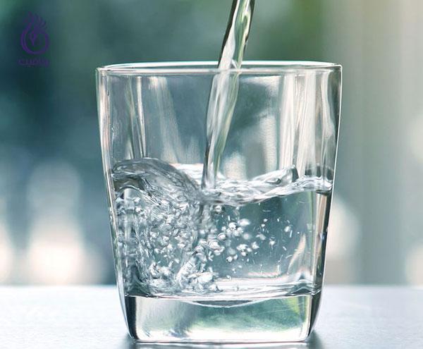 درمان سلولیت ران- نوشیدن آب- برنافیت
